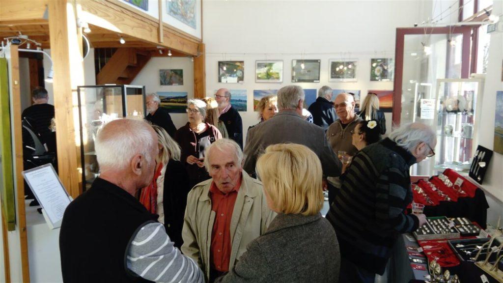 Amis et anciens de la galerie étaient présents